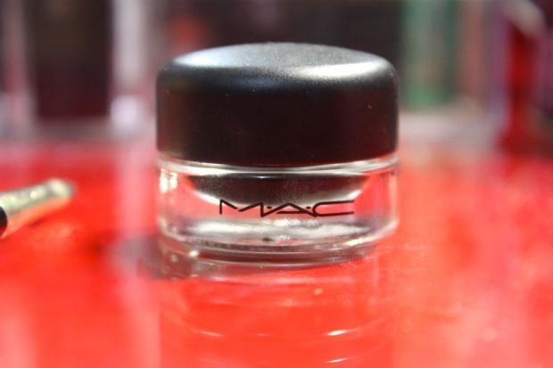 MAC Blacktrack - Fluidline